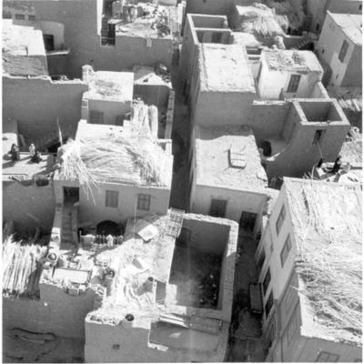 Vue des toits de la ville d'Edfou - 1