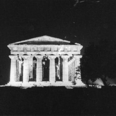 Poséidonia-Paestum, temple de Poséidon, façade Est
