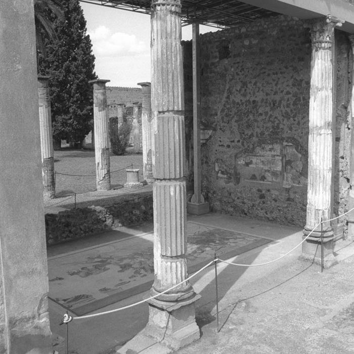 Pompei (en noir et blanc) (en cours de révision)