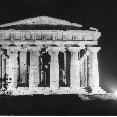 Poséidonia-Paestum, temple de Poséidon, façade Est.