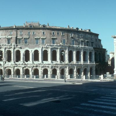 Rome, théâtre de Marcellus (en cours de révision)