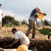Italie, Civita di Tricarico (Basilicate) : les archéologues au travail